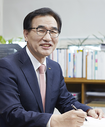 중앙대학교 총장 김창수